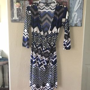 Lily 3/4 Sleeve Wrap Dress. Size Small.